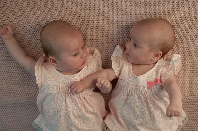 子ども 双子